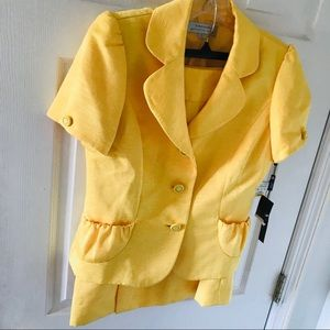 Tahari skirt suit yellow new with tags ruffle neck
